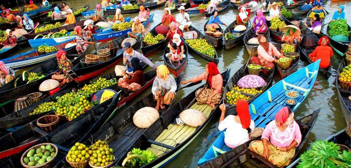 Banjarmasin Floating Market, South Kalimantan, Indonesia