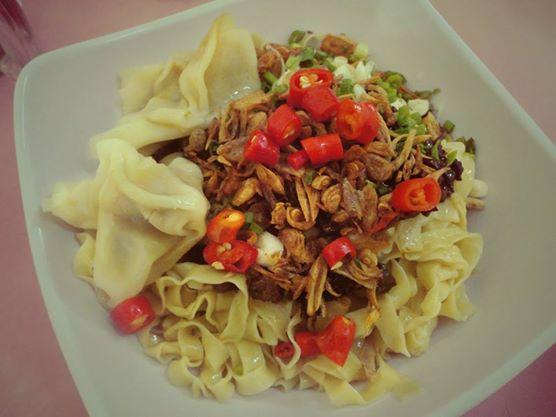 Medan Food Guide: Mie Pangsit (Wanton Noodle)