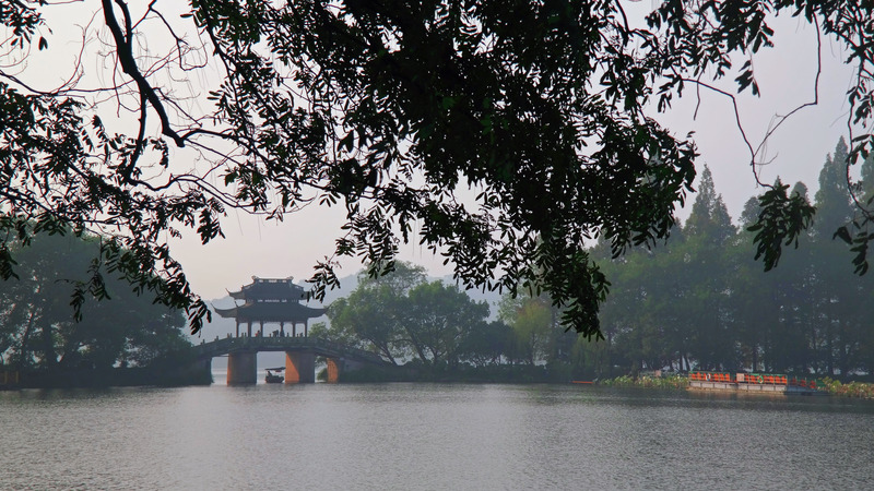 Su Causeway, West Lake, Hangzhou, China