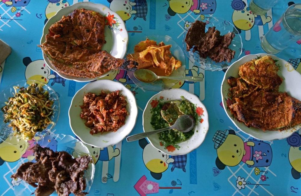 Padang and Bukittinggi Food Guide: RM Gulai Kambiang Uwan Situjuah